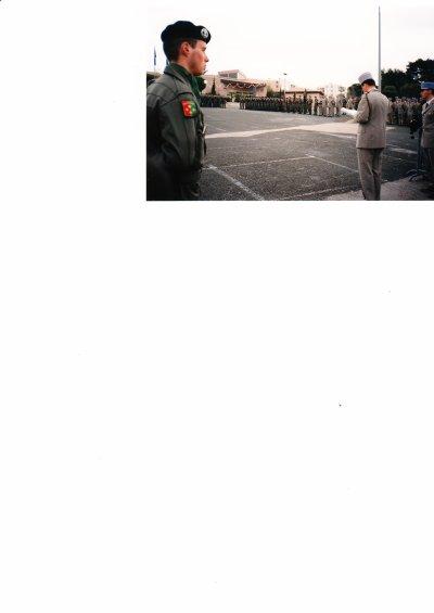 1992 : Présentation à l' étendard et remise de la fourragère .