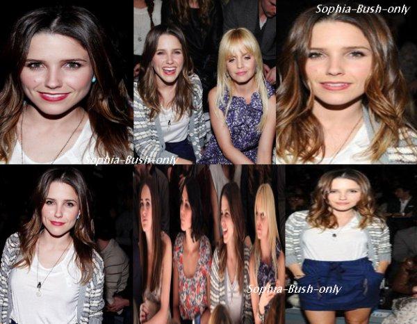 -- # Sophia était présente au Mercedes-Benz Fashion Week ce 02 Février 2011. #--
