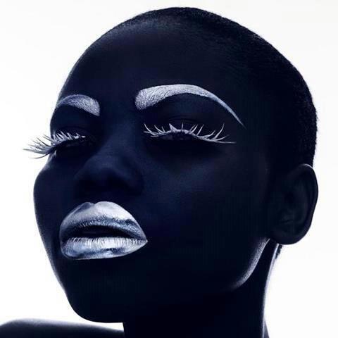 Ô MEMA AFRICA / FEMME AFRICAINE
