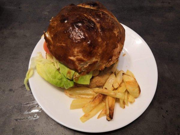 hier j ai était souper chez mon fils il me dit je te fais un hamburger maison oula il a pas rigoler j ai pas su tout manger