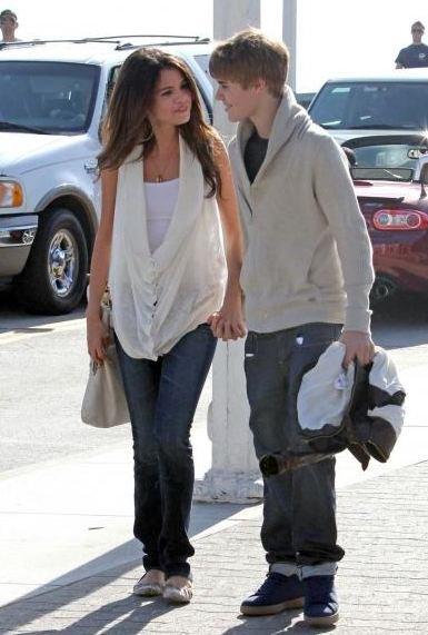 Justin Bieber et Selena Gomez en couple, c'est officiel ! Exclusivité TMZ photos main dans la main