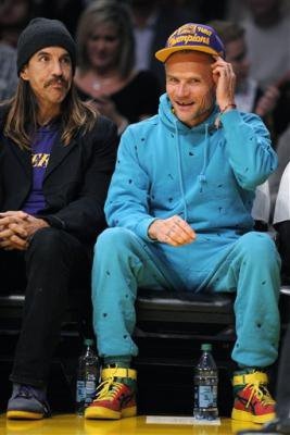 Pics and Video Anthony & Flea at Lakers game