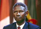 RECRUDESCENCE DES SORTIES MEDIATIQUES DE L'EX PRESIDENT DU SENEGAL: Abdou Diouf voudrait-il jouer au 3ème larron ?