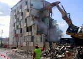 « On ne confie pas une maison en construction à une entreprise de démolition ».