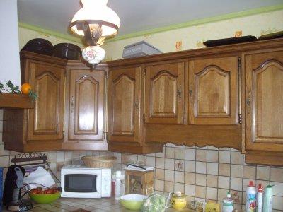 Cuisine gris perle mur vert granny la r novation de meubles sans d capage refaire for Peindre mur cuisine