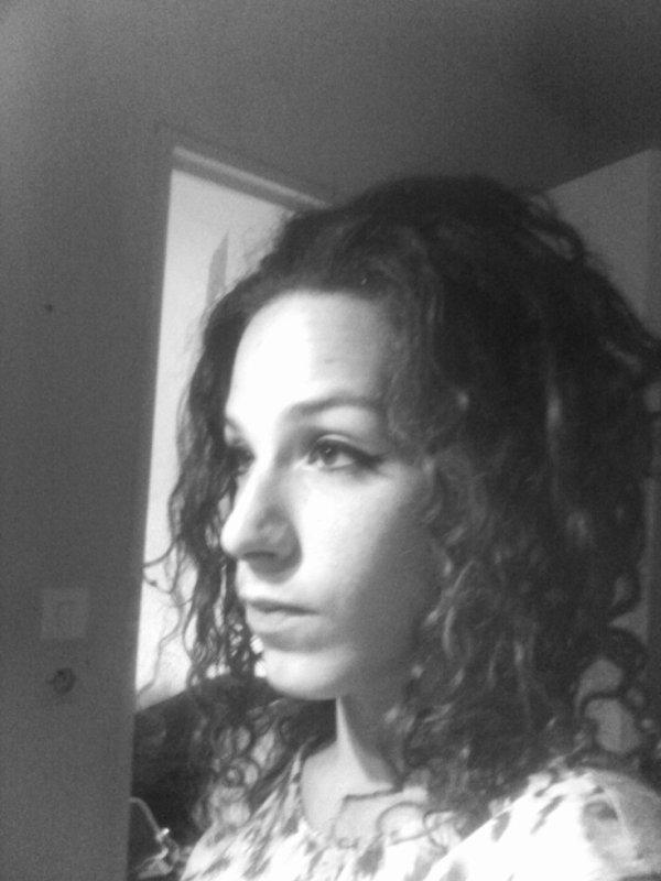 O de profil en noir et blanc