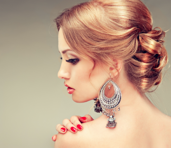 special coiffure :  Le chignon, c'est canon ! Pour les fêtes, osez la différence. Sophistiqués, modernes ou glamours..