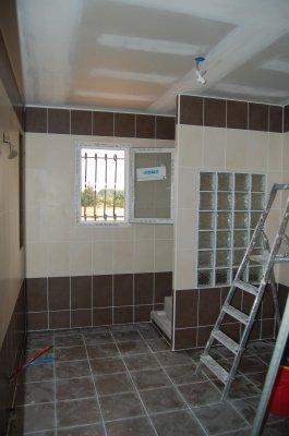 Presque 9m2 de salle de bain deltadif un petit for Implantation salle de bain 9m2