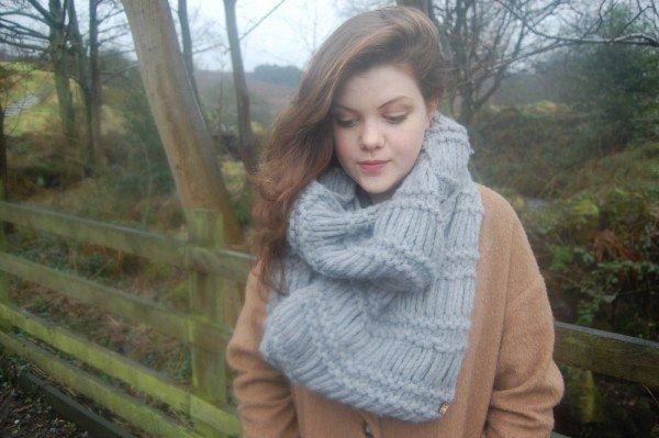 Un nouveau photoshoot de Georgie viens de paraître, ce n'est pas un shoot ordinaire, puisque Georgie pose pour l'entrepirse a tricoter de sa soeur Rachael ! Personellement je trouve Miss Henley juste magnifique !