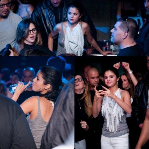 Selena est nommée dans 3 catégories aux Teen Choice Awards 2012 (TCA) qui se dérouleront le 22 juillet. La belle est nommée dans la catégorie du Choice Music Group, celle du Choice Single by a Group et  Choice Female Hottie. Les votes sont ouverts ICI.