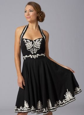 How to Choose a Short Little Black Dress for Big Busted Women ...
