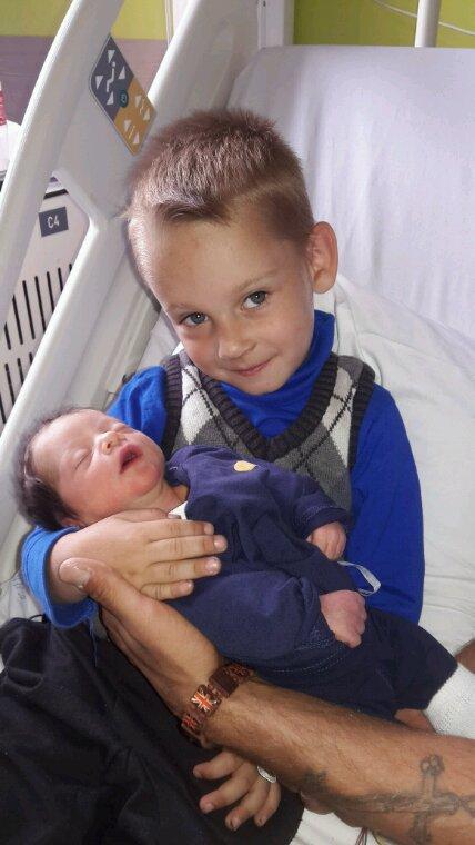 Dimitry avec son petit frère