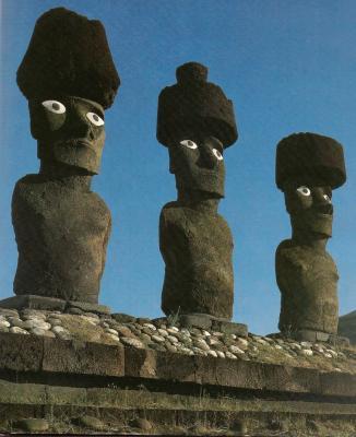 moai d'Anakena avec des yeux