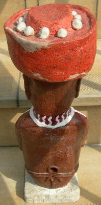 moai peint/vue de dos/2