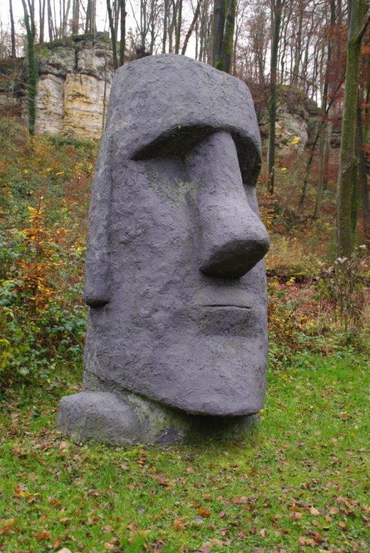 moai à Larochette (GD de Luxembourg)