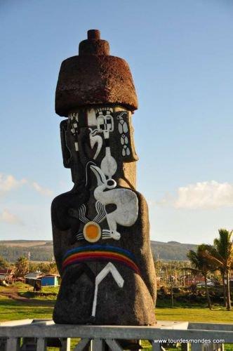 Le retour du moai de la Paix à Hanga Roa (verso) - 30/09/2010