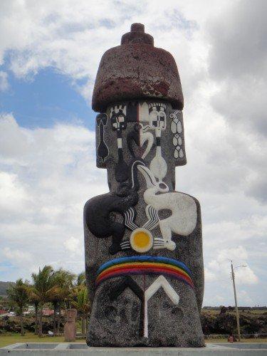 Le retour du moai de la Paix à Hanga Roa (verso)