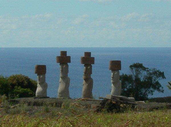 moai modernes à Rapa Nui - 16/11/2005