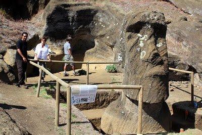 Rano Raraku intérieur - moai n° 108 (numérotation de Routledge) - 2010 ou 2011 ?