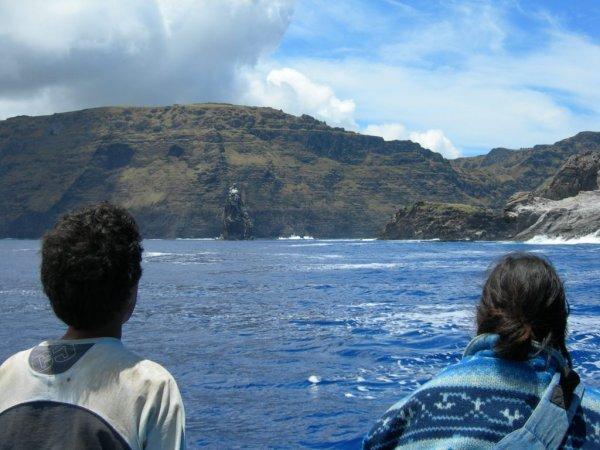 Falaise du volcan Rano Kau & Motu Nui à droite - 21/11/2005