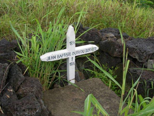 Hanga Roa - tombe de Jean Baptiste Onésime Dutrou Bornier (04/12/2013)