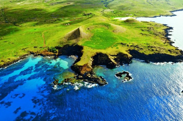 Vue aérienne des plages d'Ovahe & d'Anakena