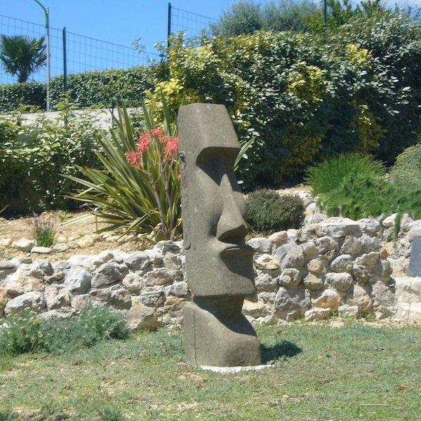 """moai d'ornementation de jardin vu sur """"in-et-out.fr"""""""