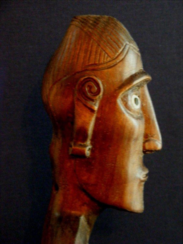 """227e article de FD: """"Moai pa'a pa'a authentique ? Mon oeil !"""" - (2/2)"""