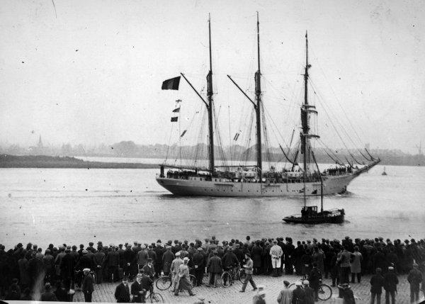 """243e article de FD: """"Résumé du programme de la semaine maritime du 12 au 19/05/1935"""""""