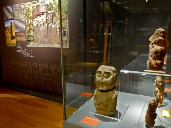 "Exposition: ""The Making Monuments on Rapa Nui"" à Manchester (01/04 > 06/09/2015) - 17"