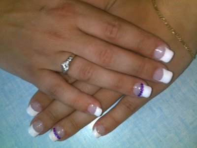 pose en gel french et strass