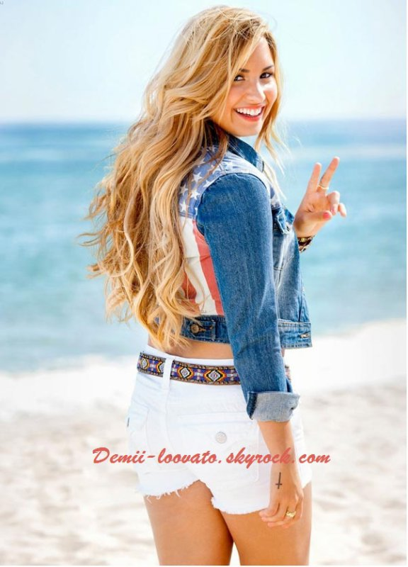 Demi Lovato Happy birthday 20 aout