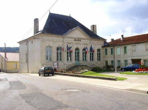 Tronville en Barrois : La mairie