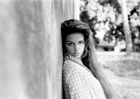 Claudia Cardinale ou Monica Bellucci ? ? ?
