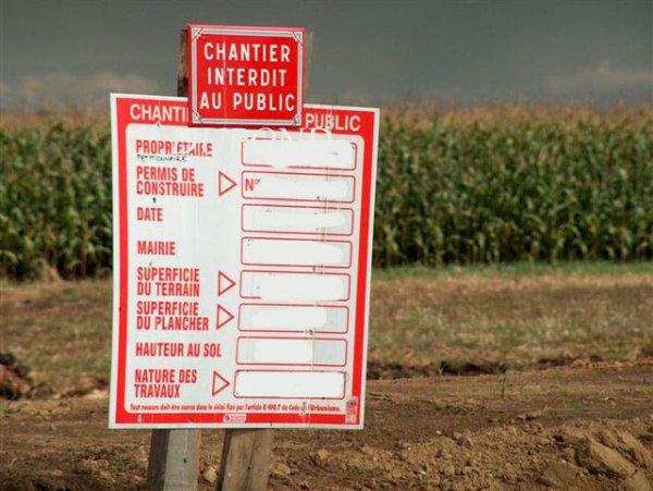 Permis de construire en France : Affichage