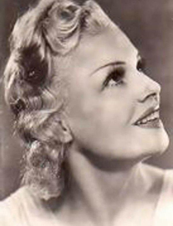 Jeanne Jullia