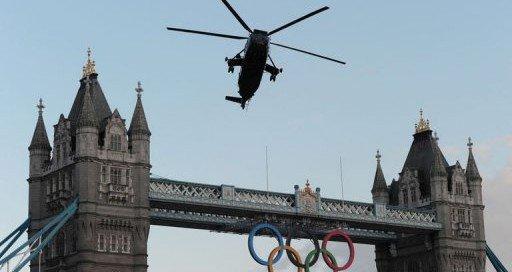 La flamme olympique arrive par les airs