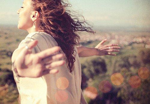 Femme : Dans le vent