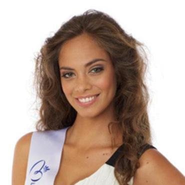 Hinarani De Longeaux : Miss Tahiti