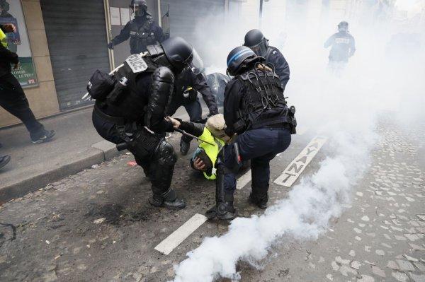 Violence : Violence d'État, et violence politique