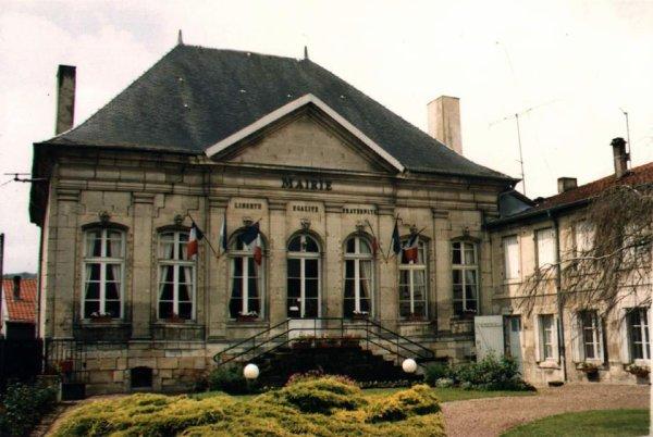 Tronville-en-Barrois : Ancien château du Tertre