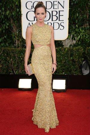 Emily Blunt en robe dorée