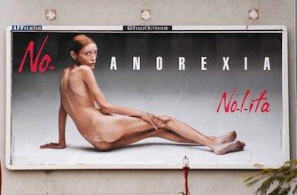 Une agence fait son casting devant un hôpital pour anorexiques