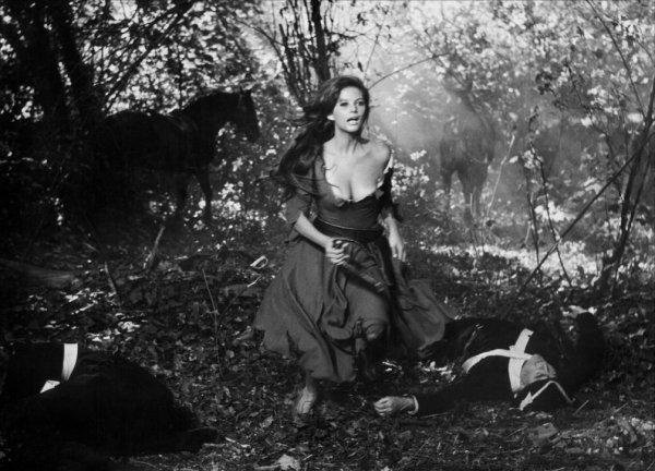 Claudia Cardinale dans Cartouche 1962 : Gif dessinsagogo55
