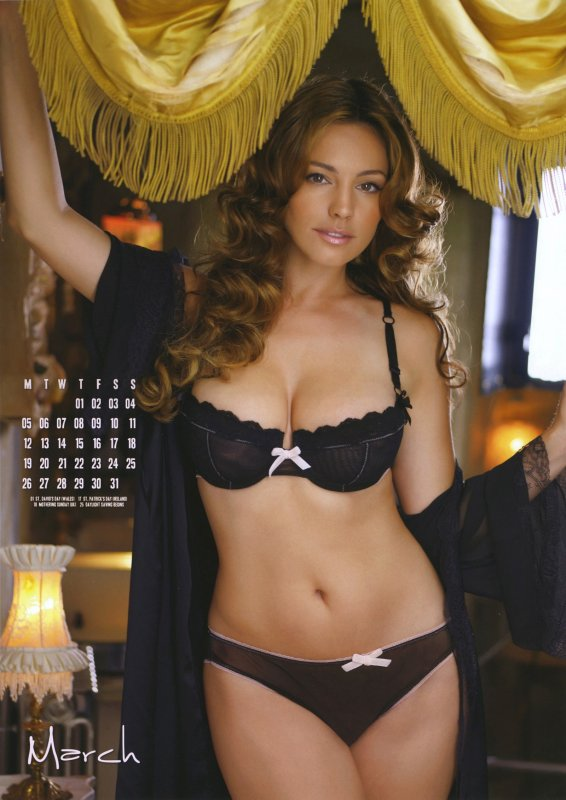 Kelly Brook : Calendrier 2012 (partie 2)