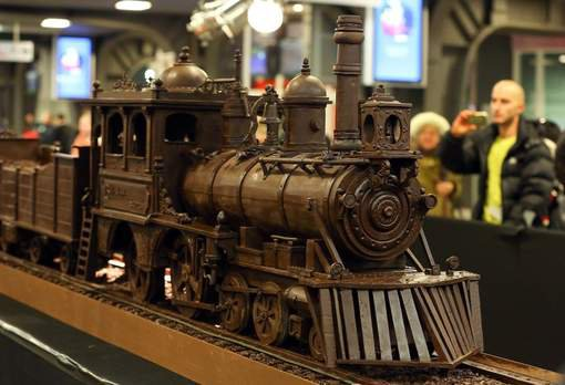 Le plus long train en chocolat