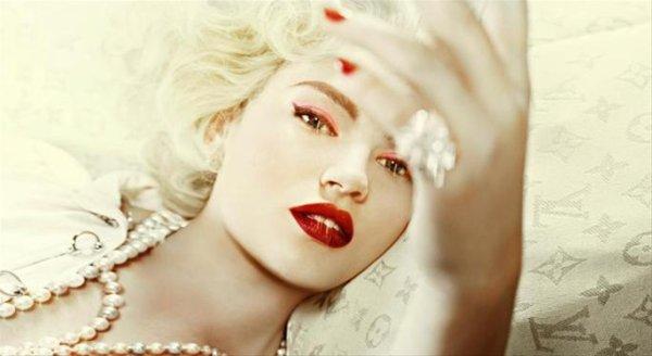 Tara Lynn : Top Model
