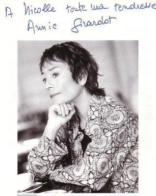 Annie Girardot : Naissance