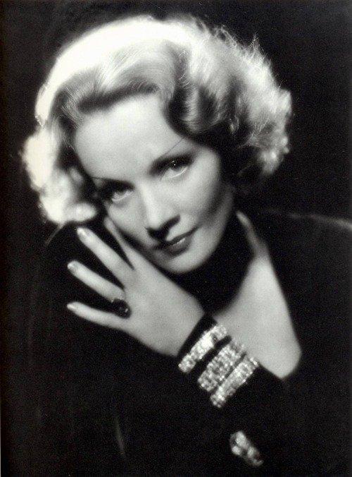 Marlène Dietrich : Assez ! (Parole)