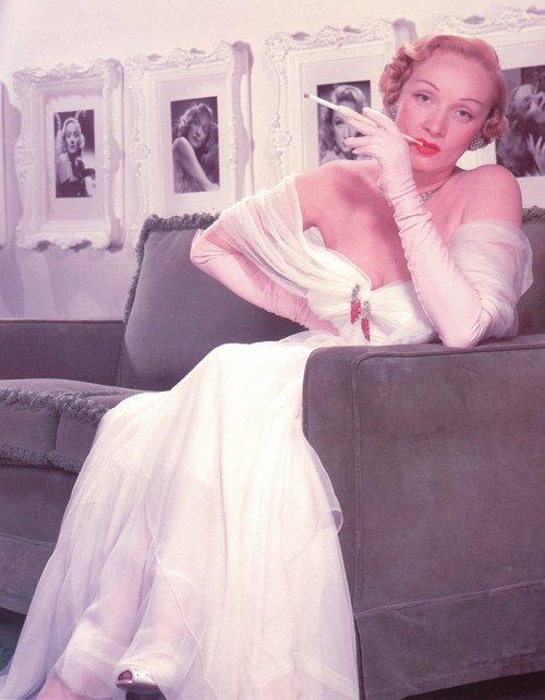Marlène Dietrich : Ses dons pour la musique et le chant